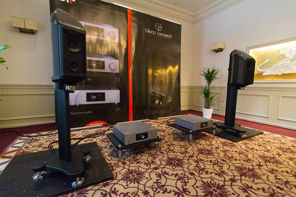 The Endeavour loudspeaker & Circle 25 Turntable on demonstration in global premier at Munich High End 2014