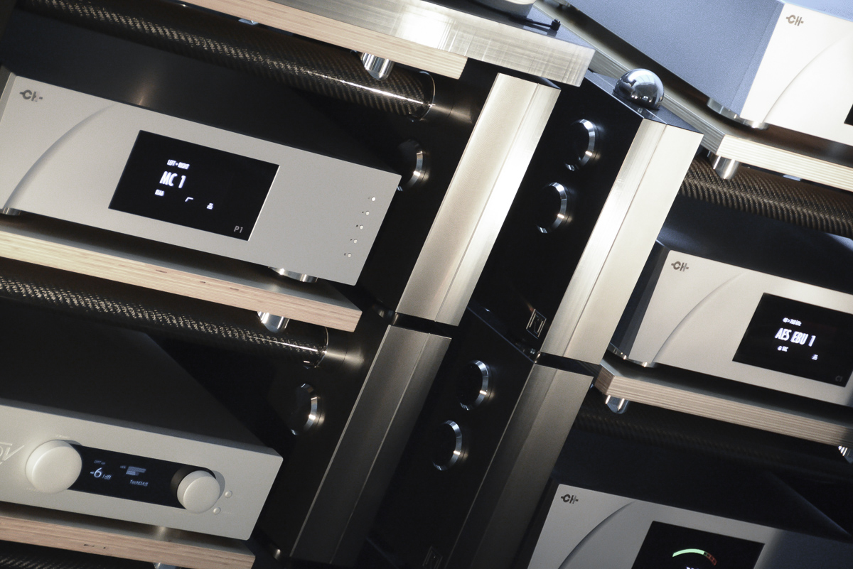 The Wilson Benesch R1 HIFI Rack with CH Precision P1 Phono Stage at the Munich High End 2015