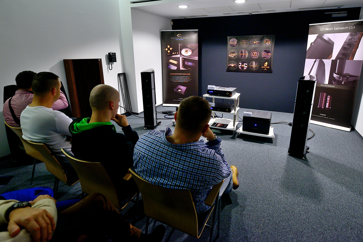 Wilson Benesch - A.C.T. One Evolution - Loudspeaker - Carbon Fibre - Geometry Series - Warsaw - Audio - Video - Show - HIFI - 2015