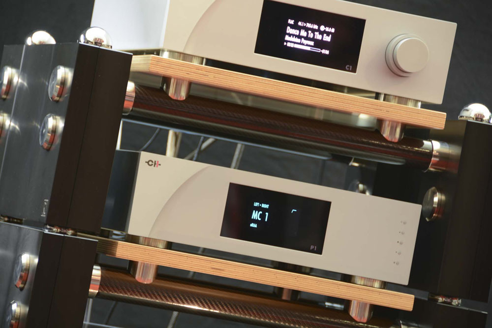 Wilson Benesch - A.C.T. One Evolution - CH Precision - P1 - A1 - C1 - Phono Stage - R1 - Carbon Fibre - HiFi Rack