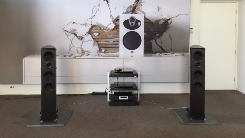 A.C.T. One Evolution - Loudspeaker - Carbon Fibre - British - Engineering - Innovation - HIFI- Holland - Beter Beeld & Geluid