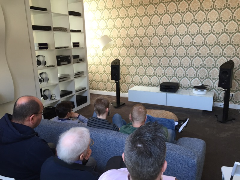 Discovery II - Loudspeaker - Carbon Fibre - British - Engineering - Innovation - HIFI- Holland - Beter Beeld & Geluid