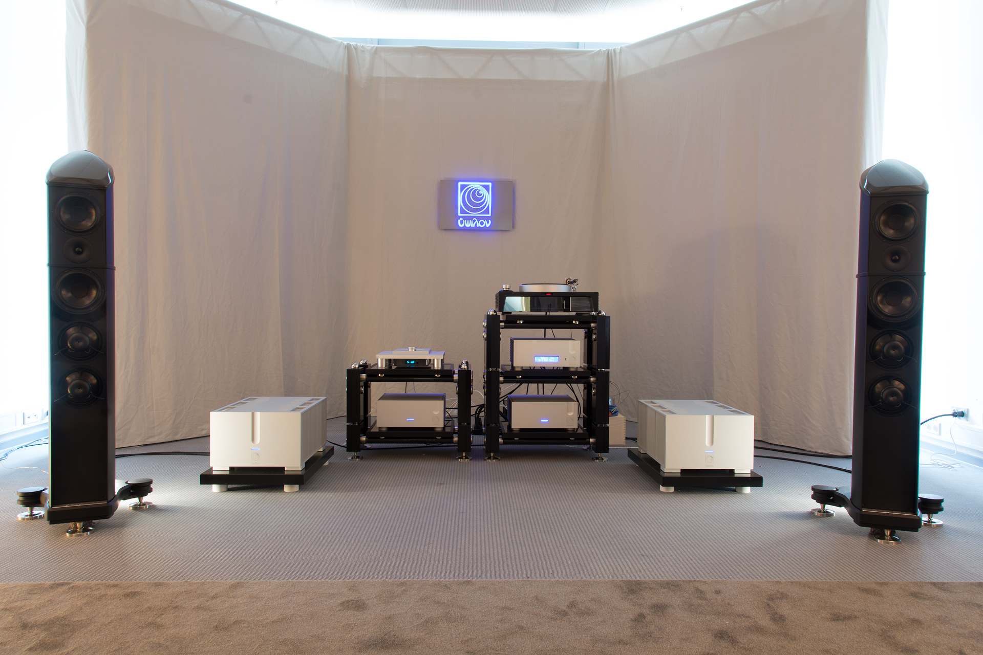 Wilson Benesch - Resolution - Munich High End - Ypsilon - Hyperion - Monoblock - Amplifier - VPS-100 Phono Stage - 2017